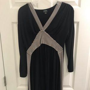 Dresses & Skirts - Maternity/nursing dress
